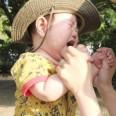 甘え泣きをする赤ちゃん