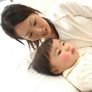 赤ちゃんの添い寝っていつから?やり方は?危険性や注意点は?