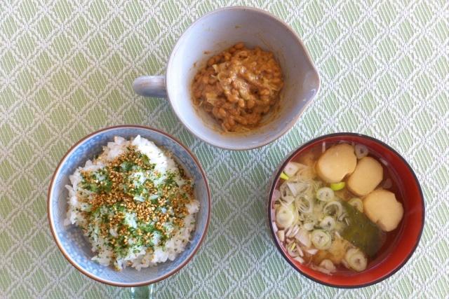 納豆と味噌汁