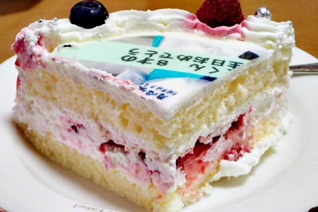写真ケーキを食べてみました。