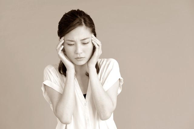 頭痛でつらい妊婦さん