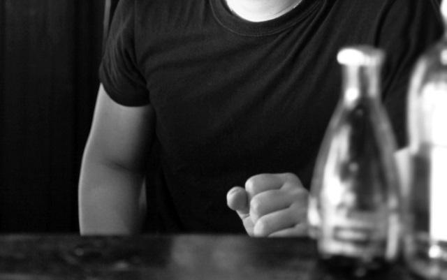 アルコール中毒の男性