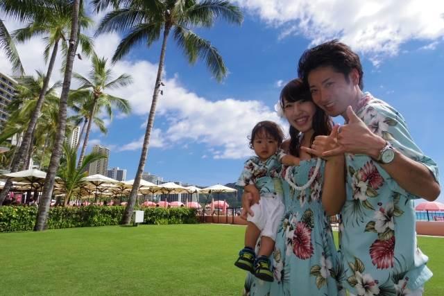 ハワイ旅行の家族