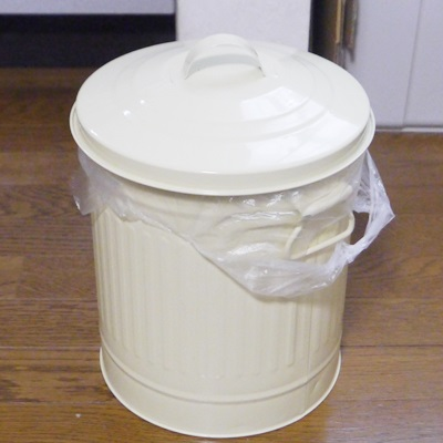 おむつ用のゴミ箱