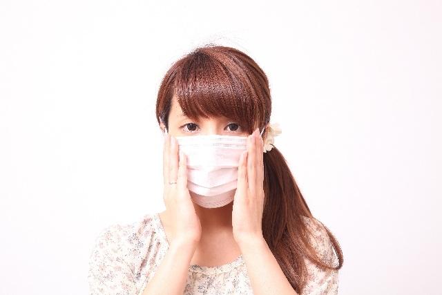 マスクをしている妊婦さん