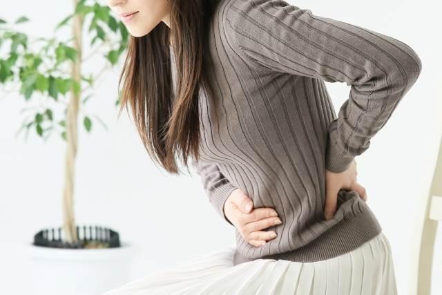 排卵痛の女性